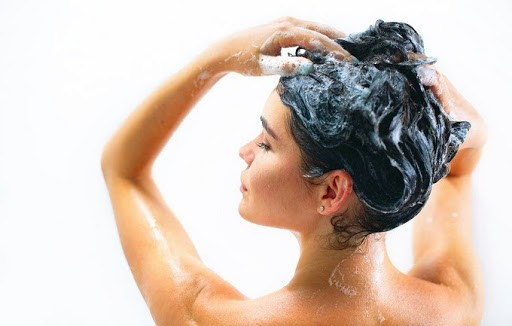 Applying shampoo the right way will bring you a great finish.