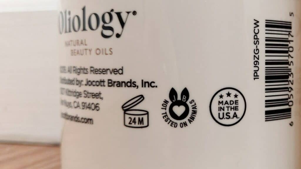 Identify expired shampoo by product packaging