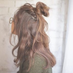 The half-up and the half-down bun style